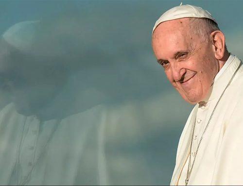 Papa Francisco pide liberar las patentes de las vacunas